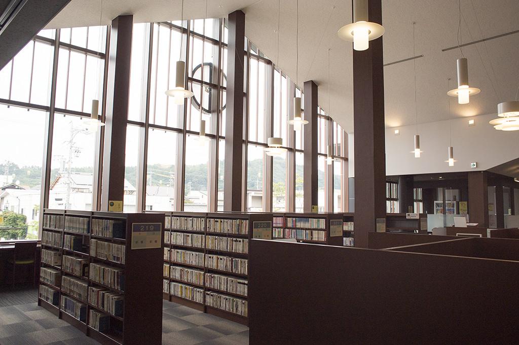 上品な図書館ホール